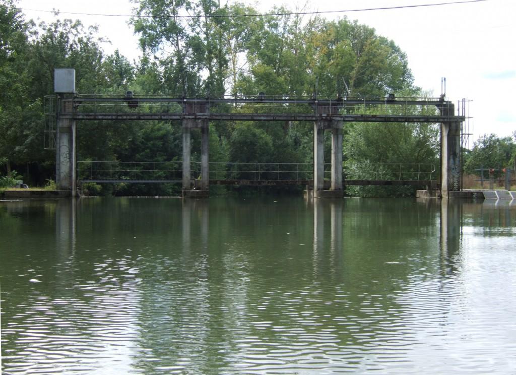 barrage de l'Ouchette dans le Marais Poitevin
