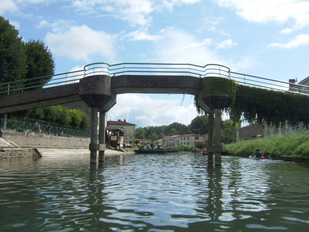 Pont-piéton-Coulon-compressor